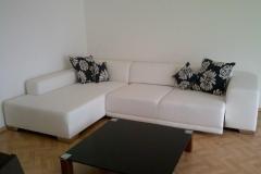 6.-Couch-ausgezogen-und-Tisch